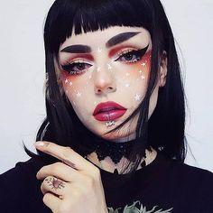 Elektronischer Regenbogen: Bild - Special Make up - Cartoon Goth Makeup, Makeup Inspo, Makeup Art, Makeup Inspiration, Beauty Makeup, Geisha Makeup, Hippie Makeup, Alien Makeup, Rave Makeup