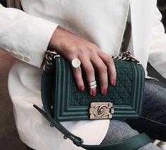 11aaf3bd61a2  Designerhandbags Sac Chanel Boy