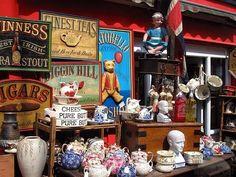Poking around Portobello Markets and having cheesecake and tea. Portobello, World Street, London United Kingdom, What A Beautiful World, London Pictures, Antique Market, London Life, London Travel, The Places Youll Go