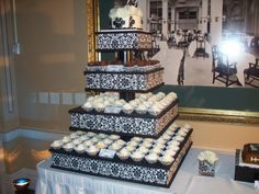 Damask Cake  By Creativebakes on CakeCentral.com