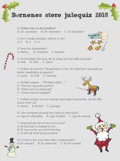 """Det år man får et skolebarn, er der et helt kalenderår med traditioner, man skal stifte bekendtskab med. Og de er ikke nødvendigvis de samme som i børnehaven. I D's klasse skulle alle børnene have en pakke med til en fælles pakkekalender. """"Hvad i alverden skal vi gøre?!"""" Men vi fik en en idé – vi laver da en julequiz for børn. Acorn Crafts, Fun Crafts, Crafts For Kids, Christmas And New Year, Christmas Time, Holiday, Scandinavian Wall Decor, Christmas Window Decorations, Minimalist Christmas"""