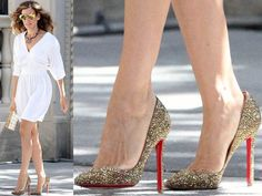 Good ol Carrie Bradshaw. Shoezzamm!
