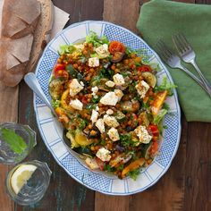 Tahini, Kung Pao Chicken, Quinoa, Chinese, Ethnic Recipes, Food, Grilled Zucchini, Cherry Tomatoes, Sprouts