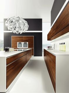Modern Kitchen Interior Really love this modern white and timber kitchen More - Bring warmth in your home by incorporating wood as a material. It will make the atmosphere in your home cozy and lovely. This time we present you Timber Kitchen, New Kitchen, Kitchen Decor, Kitchen Ideas, Walnut Kitchen, Kitchen White, Kitchen Trends, Wooden Kitchen Set, Natural Kitchen