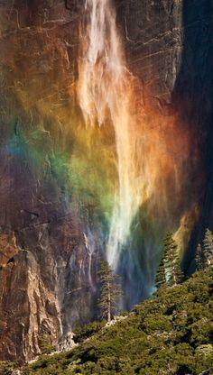 Rainbow Falls, Yosemite.  Photographer Mikhail Kristev
