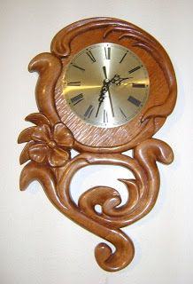 Relojes tallados a mano en madera de Raulí, Chip Carving, Wood Carving, Wood Clocks, Wooden Watch, Antique Furniture, Wood Projects, Art Nouveau, Diy And Crafts, Antiques