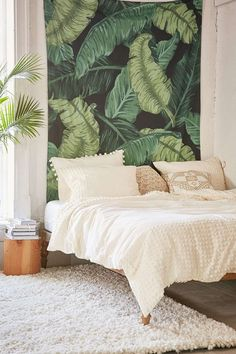 I need this banana Leaf Tapestry by urban outfitters in my life (or my bedroom) right about now. Love the bright green color that pops. Especially if I matched it with some other green decor and touches of pink all around my pretty white bedroom. Tropical Bedrooms, Tropical Home Decor, Tropical Interior, Tropical Furniture, Tropical Rugs, Tropical Homes, My New Room, My Room, Urban Outfitters Bedroom