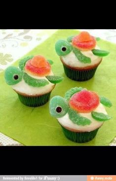 Turtle cupcake decorations