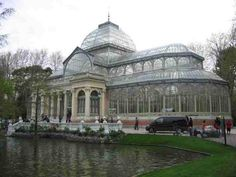 """Glass House"" - Photo of Madrid, Spain Glass Structure, Building Structure, Beautiful Space, Beautiful Gardens, Madrid, Victorian Greenhouses, Glass Pavilion, Conservatory Garden, Unusual Homes"