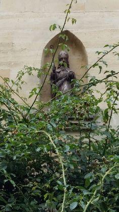 Sint Nicolaas in de gevel te Valkenburg