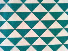 Tmavě tyrkysové trojúhelníky -  atest děti
