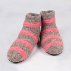 Very comfy and warm, leather soles. Handmade in Romania. Felted Wool Slippers, Boots Women, Sheep Wool, Romania, Wool Felt, Comfy, Warm, Leather, Handmade