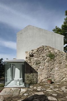 Irisarri & Piñera - House in Tebra, Tomiño Via. Contemporary Architecture, Architecture Details, Interior Architecture, Fachada Colonial, Adaptive Reuse, Brick And Stone, Stone Houses, Modern Interior Design, Exterior Design