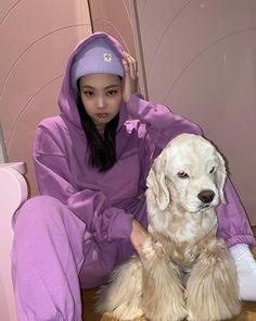 Kim Jennie, South Korean Girls, Korean Girl Groups, Rapper, Lisa Black Pink, Chica Cool, Kim Jisoo, Blackpink Photos, Blackpink Fashion