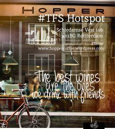 #TFS HOTSPOT: HOPPER TFS loves 'Friday afternoon drinks'! We geven jullie voor aankomende (Valentijns-) vrijdag alvast een borreltip, want wat is er leuker dan het weekend inluiden met je liefie? Hoewel Hopper eigenlijk een coffeebar is en deze unieke toko al om 18.00 uur sluit, kun je hier prima een drankje doen. De rode wijn is smaakvol en vraagt naar meer. Het versgebakken brood, inclusief VIJF smeersels, maakt deze borrel helemaal af.