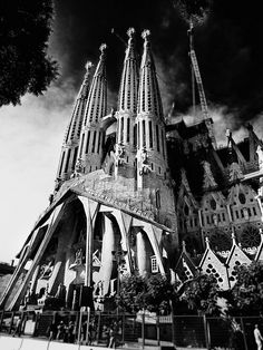 Sagrada Familia, Black & White by treyerice, via Flickr