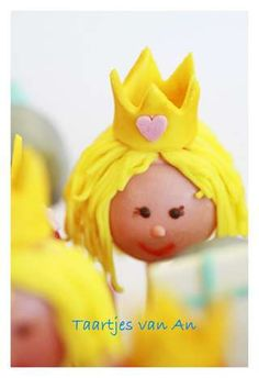 So cute.....but requires waaaayyyy more time than I have  Cakepops Prinsesjes en Ridders .jpg