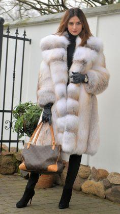 FOX FURS - exclusive royal saga fox fur fantastic fur coat fox ! - furs outlet