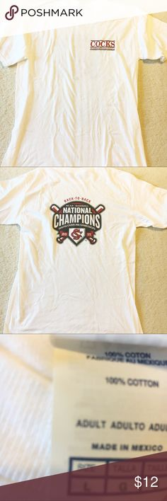 NWOT UNIVERSITY OF SOUTH CAROLINA MEN'S LG SHIRT NWOT MEN'S SOUTH CAROLINA GAMECOCKS WHITS SHORT SLEEVE COCKS SHIRT. NCAA BACK-TO-BACK NATIONAL BASEBALL CHAMPIONS. 2011. UNIVERSITY OF SOUTH CAROLINA - USC. GARNET, BLACK, AND WHITE.  ⚾️ 🐓 GO GAMECOCKS! FUN TEES SHIRT BRAND. LET US KNOW IF YOU ARE INTERESTED IN BUYING MORE THAN ONE. WILL POST INDIVIDUALLY SOON. Shirts Tees - Short Sleeve