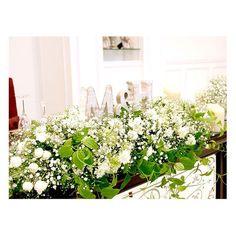 . . ふわふわグリーンのナチュラル装花に 2人のイニシャルを飾って...♡ . かすみ草の花言葉 『親切』『無邪気』『夢見心地』『清らかな心』 まさに結婚式にぴったりのお花です♪ . #flowerwalkpopo #富山県 #結婚式 #ウェディング #結婚式準備 #プレ花嫁 #花嫁準備 #結婚式準備 #オリジナルウェディング #テーマウェディング #キャナルサイドララシャンス #ララシャンス #メイン装花 #メインテーブル #高砂装花 #ナチュラル #花屋 #花 #ブライダル #wedding #weddingflowers #bride #bridalflowers #bridal #instflower #flowerstagram #flowerpic