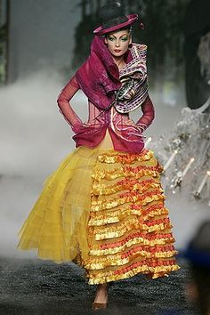Christian Dior Fall 2005 Couture Fashion Show - _New Look_