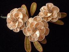 Ganutell is a Maltese art form of making artificial flowers from wire, thread, and beads. French Beaded Flowers, Wire Flowers, Kanzashi Flowers, Origami Flowers, Felt Flowers, Crochet Flowers, Fabric Flowers, Crafts To Do, Diy Crafts