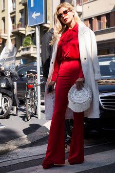 紅白のカラーリングがドラマティックなパンツスタイル|Bella Potemkina|SPUR.JP