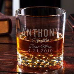 If your groomsman sneaks a drink of whiskey before the wedding it will be because of this cool custom groomsman gift idea. A whiskey glass with a striking marble base makes whiskey look more enticing than ever. Pair it with a bottle of your groomsman's fa Best Groomsmen Gifts, Wedding Gifts For Groomsmen, Groomsmen Proposal, Beach Wedding Favors, Groomsman Gifts, Groom Gifts, Wedding Souvenir, Nautical Wedding, Diy Wedding