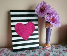 Vídeo – Diy quadrinho decorativo de listras e coração                                                                                                                                                                                 Mais
