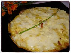 Coucou les gourmands, Voici une succulente recette d' omelette savoyarde. Elle est garnie de pommes de terre , de lardons, d'oignon et de reblochon ... Un mélange explosif en bouche, à faire et à refaire !!!! Temps de préparation : 20 minutes Temps de...