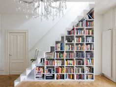 Funny pictures about Under stairs bookcase. Oh, and cool pics about Under stairs bookcase. Also, Under stairs bookcase photos. Staircase Bookshelf, Stair Shelves, Book Shelves, Staircase Storage, Bookshelf Ideas, Modern Staircase, Unique Bookshelves, Bookshelf Design, Staircase Design