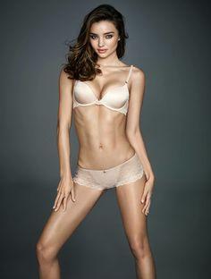 Miranda Kerr - @MirandaKerr (4,46 millions d'abonnés): Elle nous a fait rêver chez Victoria's Secret, on l'adore chez Wonderbra. Miranda a ce truc en plus, un petit je ne sais quoi (qui fait tout). Pas étonnant donc que sur le réseau social on soit plus de 4,46 millions à la suivre (pour ses photos).