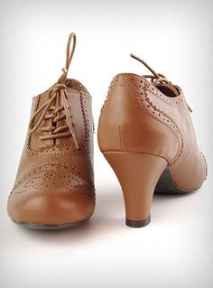 brown oxfords, low heel