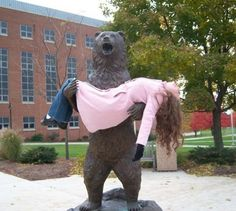 30 People Who Decided To Have Fun With Statues.