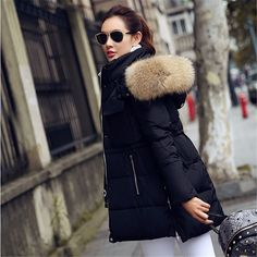 98.52$  Buy here - http://aliedx.worldwells.pw/go.php?t=32733875252 - Winter Jacket women coat 2016 New winter Jackets women Parkas Big Real Raccoon Fur collar Long coat Female parka Down