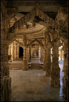 Indian Temple Architecture, India Architecture, Ancient Architecture, Beautiful Architecture, Temple India, Jain Temple, Best Places To Travel, Places To Go, Mount Abu