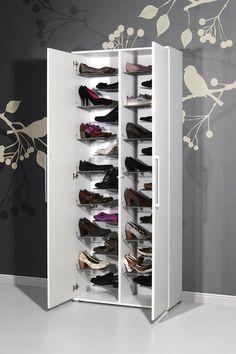Je schoenen kunnen opbergen op één plek. Dat is waarschijnlijk de droom van iedereen. Met deze stijlvolle design schoenenkast komen jouw dromen uit. Door het functionele design kun je al je schoenen netjes opbergen waardoor jouw hal altijd netjes en opgeruimd is. De Schoenenkast Sara laat dromen uitkomen en heeft een onweerstaanbaar design.