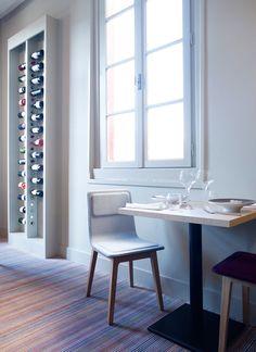 Silla Laia de Alki. Diseño: Jean Louis Iratzoki. Pero lo que más me gusta es el mueble para vinos