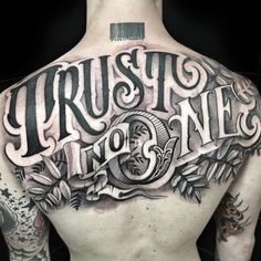 Check out tons of great examples of lettering tattoos. Below you'll find tons of ideas & designs as well as many cool images of lettering tattoos. Tattoo Lettering Design, Chicano Lettering, Graffiti Lettering Fonts, Tattoo Design Drawings, Tattoo Sleeve Designs, Sleeve Tattoos, Gangster Tattoos, Badass Tattoos, Body Art Tattoos