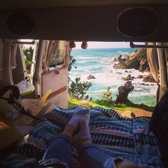 Not a bad place for a lil nap love my van #ocean#roadtrip#explorecalifornia#candyvan#travel#vanlifers#vanlife#wcw #vanCrush#california#projectvanlife#surfing#pearsonarrow#lifestyleoverluxury