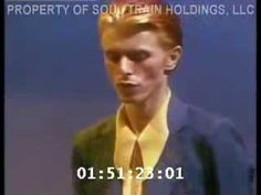"David Bowie Sings ""Fame"" & ""Golden Years"" on Soul Train (1975) | Open Culture"