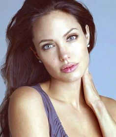 Angelina Joile, Angelina Jolie Pictures, Angelina Jolie Photos, Very Beautiful Woman, Gorgeous Eyes, Pretty Woman, Elizabeth Hurley, Brunette Beauty, Beautiful Celebrities