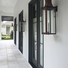 Fascinating Vintage Hanging Gas Lanterns for Front Door Decor - Rockindeco Porch Lanterns, Gas Lanterns, Rustic Lanterns, Outdoor Wall Lantern, Exterior Wall Light, Exterior Lighting, Colonial Exterior, Exterior Design, Diy Exterior