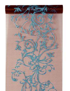 Le Chemin de table Organza Volutes avec Paillettes couleur chocolat. Mixer le turquoise et le chocolat, il fallait oser ! Mais le résultat est totalement canon ! A poser sur les tables ou les buffets de réception