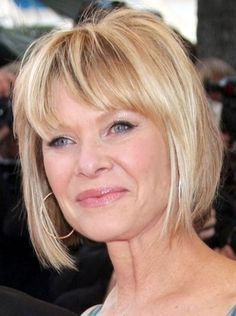 20 Short Haircuts for Older Ladies: Bob Hairstyle
