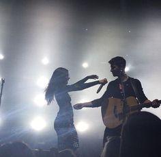 Shawn Mendes Camila Cabello James Corden Kiss 02 Shawn Mendes