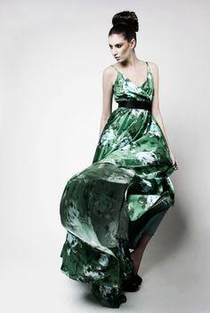 Shop Kleid SABINA by KAY RAINER now on nelou.com. Plus 4600 more designs.