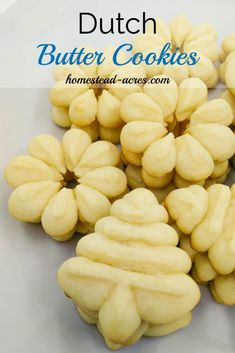 These cookies are rich and creamy a must have spritz cookie for your Christmas cookie trays. Perfect ritch Dutch Butter Cookies are a must have holiday cookie. Easy butter cookie recipe that is foolproof. Köstliche Desserts, Delicious Desserts, Yummy Food, Dessert Recipes, Healthy Food, Yummy Cookies, Holiday Cookies, Easy Butter Cookies, Danish Butter Cookies