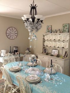My friend Cheryl awesome Christmas decorated table and home.