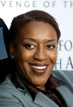 cch pounder | CCH Pounder Actress CCH Pounder arrives at the 'Star Wars Episode III ...